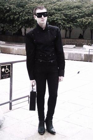 black altered vintage shirt - black H&M jeans - black via eBay boots - black vin