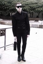 black altered vintage shirt - black H&M jeans - black via eBay boots - black vin
