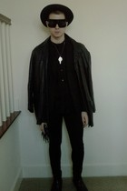 black vintage hat - black H&M shirt - black H&M blazer - black Dads vintage coat