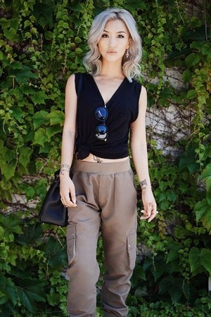 black t by alexander wang t-shirt - light brown asoscom pants