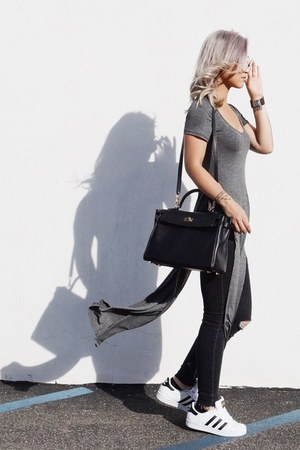 dark brown JORD watch - black Hermes bag - gray CRÈME DE LA FAME top