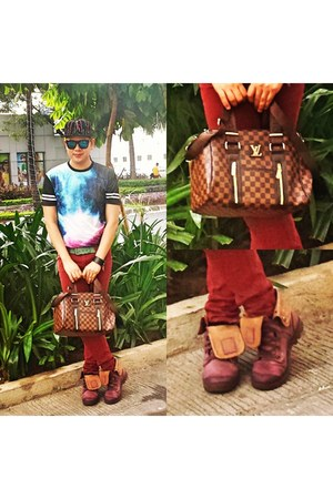 brown leather Louis Vuitton bag