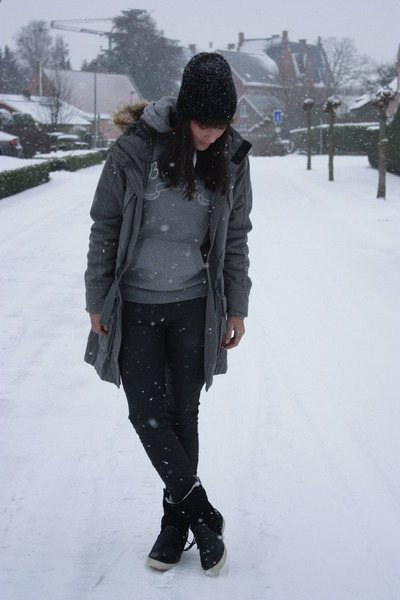black Brunotti boots - dark khaki Brunotti coat - heather gray Brunotti sweater