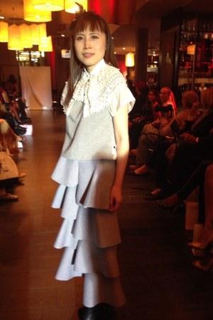 white La Mode by GV Miao cape - heather gray ruffle DRIVE STORE dress