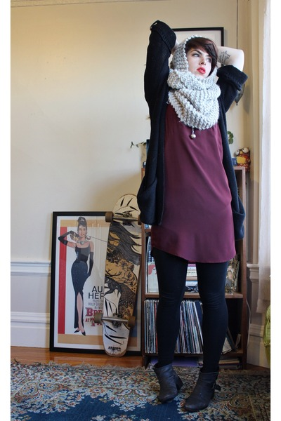 infinity scarf Staring at Stars scarf - Steve Madden boots
