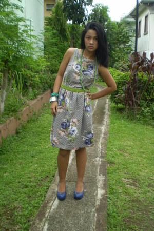 Plains and Prints dress - my moms accessories - MN pumps