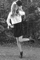 black Forever 21 skirt - gray Urban Outfitters blazer - white Forever 21 blouse