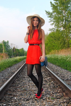 red urban behavior dress - blue matt&nat bag - red Ardene wedges