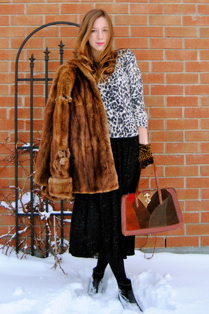 black maxi Forever21 dress - tawny fur vintage coat - beige leopard print H&amp;M sw