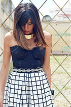 tiles Prét à Porter skirt - lace Nasty Gal top