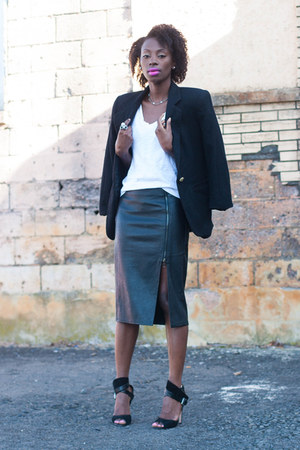 side slit new look skirt - wool Sag Harbor blazer - Camilla Skovgaard sandals