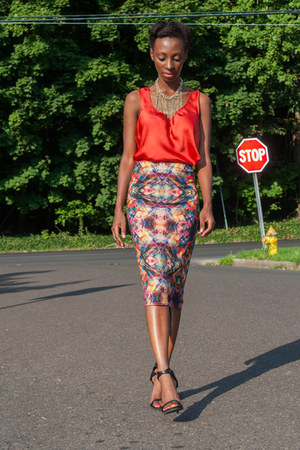 Boohoo skirt - chunky Forever 21 necklace - ann taylor top - Zara sandals