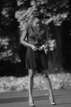 ann taylor blouse - Halston Heritage skirt