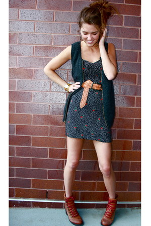 black floral Urban Outfitters dress - tawny leather Lucky Brand boots