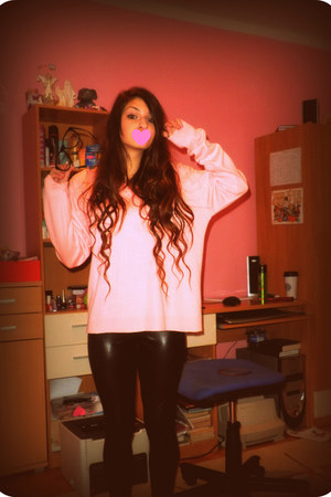 bubble gum sweet Ralph Lauren sweater