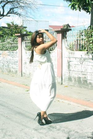 white Mango dress - black sequined Parisian pumps