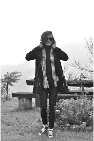 white houndstooth c&a scarf - navy Promod coat - black turtleneck Zara sweater