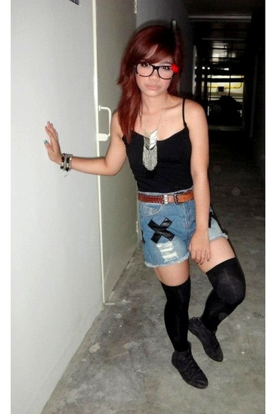 necklace - boots - shorts - sunglasses - bracelet - top