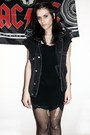 Black-cotton-tom-taylor-dress-dark-gray-levis-vest