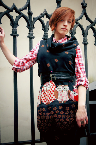 black owl PunkFish dress - red checkered denimco shirt