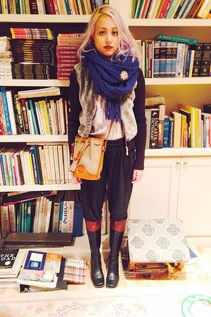 cable knit H&M scarf - Enzo Angiolini boots - faux fur Guess jacket