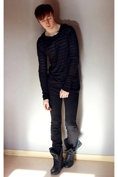 Black-topman-boots-black-diesel-jeans-white-cos-