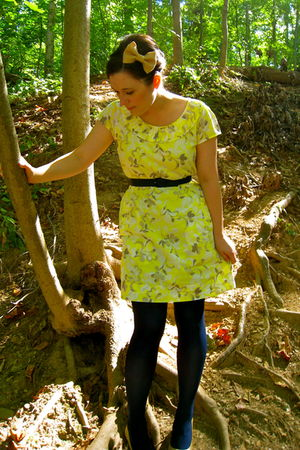 yellow Old Navy dress - blue tights - beige shoes - blue belt - beige accessorie