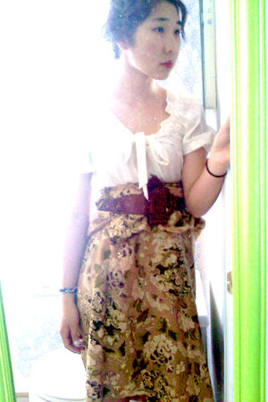 white Ann Taylor Loft blouse - Gap belt - banana republic skirt
