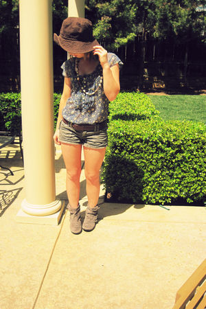 kHOLES necklace - American Eagle shorts - thrifted blouse - hollister belt - J C