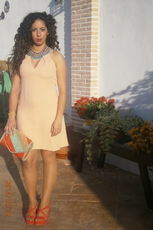 nude Zara dress - aquamarine BLANCO bag - carrot orange Zara sandals