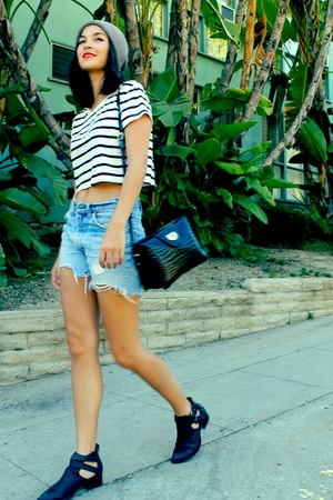 sky blue Levis shorts - black cropped striped Urban Outfitters t-shirt