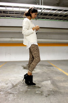 leopard print no brand leggings - black Zara boots - ivory Zara sweater
