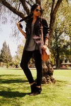 black leggings - vintage blazer - beige vintage bag