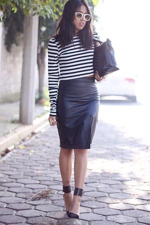 white striped Zara top - black leather thrifted vintage skirt - black Zara heels