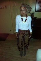 white H&M sweater - Forever 21 boots - Forever 21 scarf - H&M accessories