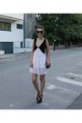 Light-pink-lady-queen-dress-black-zara-bag-black-zara-sandals