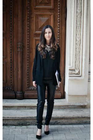 black Stradivarius shoes - black Bershka blazer - black H&M pants