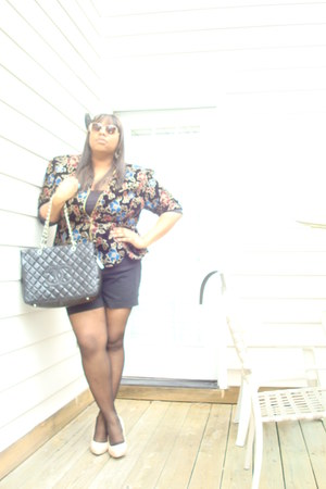 vintage blazer - chanel bag - lane bryant shorts