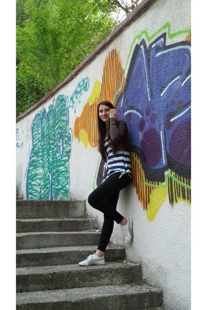 Atmosphere leggings - Bershka t-shirt - H&M cardigan - Puma sneakers
