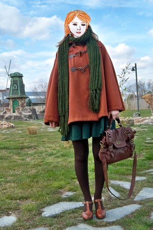 brown Vogue & LV shoes - dark green kling dress - dark brown Primark tights