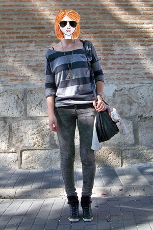 gray Bershka jeans - black suiteblanco bag - dark gray ray-ban sunglasses