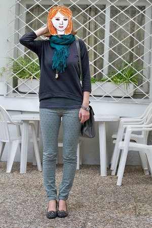 green Bershka scarf - heather gray shoes - heather gray Pull & Bear bag