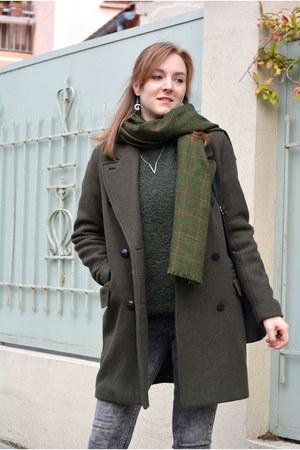 black Adela Gil boots - forest green Pull & Bear coat