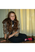 Behnaz jacket - t-shirt - pants - Coro Cosmo shoes - socks