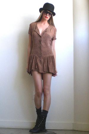 brown GirlOnAVine dress