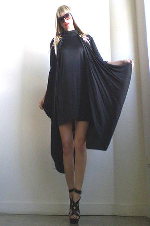black vintage from GirlOnAVineetsycom dress