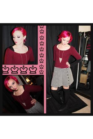 black Ann Taylor Loft shirt - maroon  thrifted sweater
