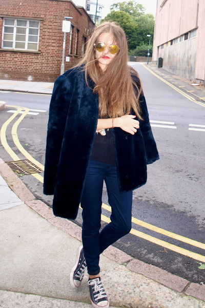 vintage Saint Laurent coat - H&M sunglasses - H&M jumper - Converse sneakers