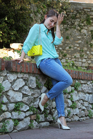 aquamarine unknown shirt - turquoise blue H&M jeans - yellow unknown bag