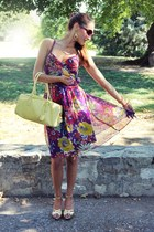 purple floral print dress - light yellow ostrich bag